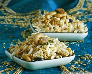 South Indian Spicy Nut and Puffed Rice Snack (Chudwa)
