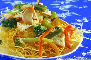 Crispy Egg Noodles with Mixed Vegetables (Mi Xao Don)