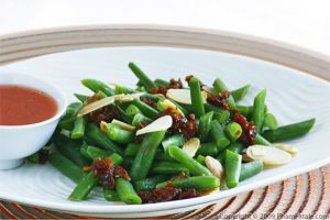 Simple Green Bean Salad with Toasted Sliced Almonds and Pomegranate Vinaigrette