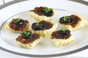 Canapes au camembert camembert tartlet shells pham fatale for How to make canape shells