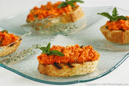 Creamy Ricotta and Bell Pepper Crostini