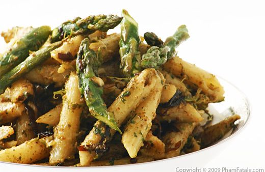 Parsley-Walnut Pesto Penne Pasta with Asparagus - Pham Fatale