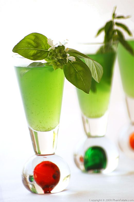how to make basil-mint limeade