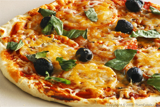 Easy Olive and Cheese Pizza Recipe