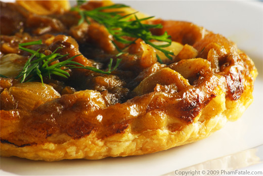 Indian-Style Pearl Onion Confit Upside-Down Tart (Tarte Tatin de Petits Oignons Perles a l