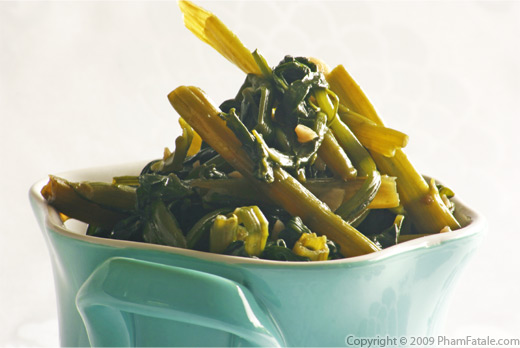 Stir-Fry Pea Shoot Tendrils in Garlic and Black Bean Sauce (Rau Muong Xao)