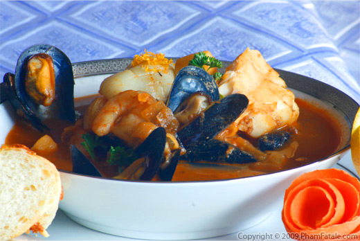 Spanish-Style Seafood Stew Recipe