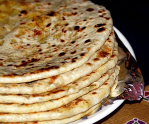 Spiced Lentil Stuffed Flat Bread (Dal Paratha) Recipe